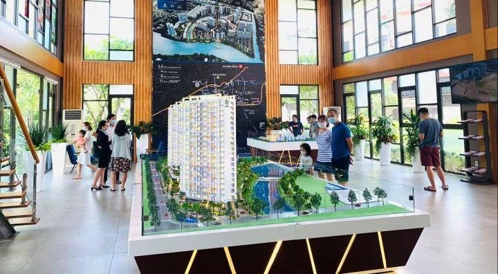 Theo bà Võ Thị Khánh Trang, căn hộ có mức giá vừa túi tiền đáp ứng được nhóm có nhu cầu cao nhất trên thị trường, đang có tỉ lệ hấp thụ lên đến 70-80%