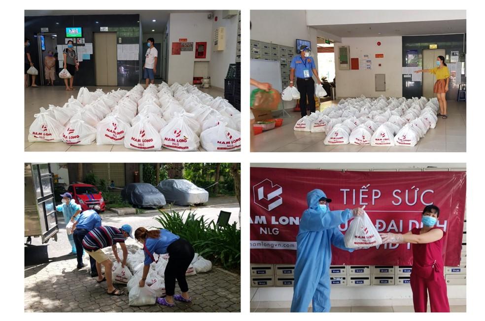 Hơn 2,640 phần quà lương thực thực phẩm tiếp sức của chủ đầu tư Nam Long đã được gửi trao tận tay đến cộng đồng cư dân đang bị phong tỏa